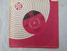 ROCKIN BERRIES SMILE / BREAKFAST AT SAM'S piccadilly   .....45rpm pop / single