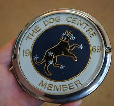 VINTAGE 'THE DOG CENTRE'  Sirius  Dog STAR KENNEL CLUB, CAR BADGE