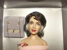 Franklin Mint Elizabeth Taylor Vinyl Portrait Doll Dressed In The Giant Ensemble