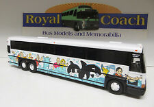"REDUCED - Corgi US 98652 P.C.S.T. Seaworld MCI DL-3 Diecast 1:50 Scale 11"" Bus"