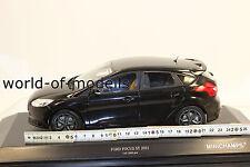 Minichamps 110082000 Ford Focus ST 2011 schwarz 1:18 NEU in OVP