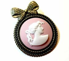 Genuine Wedgwood Jasperware Cameo Set Into Antiqued Bronze Tone Bow Brooch Pin