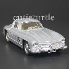 Kinsmart 1954 Mercedes Benz 300 SL Gullwing 1:36 Silver