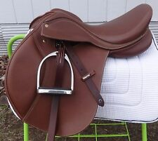 "WINTEC BATES English/Jump Show Saddle -Easy Change Gullet System- 17"" -BEAUTIFUL"