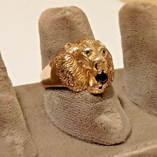 14K YELLOW GOLD SAPPHIRE EMERALD LION RING. SZ 7.5.