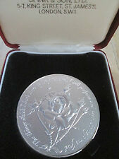 VERY LARGE 1977 STERLING SILVER JUBILEE MEDAL