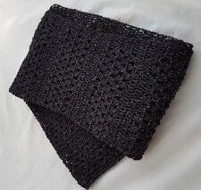 Knitwitz Mano Crochet Algodón y Seda Bufanda/Chal negro con seda y algodón.