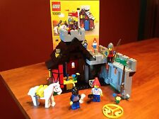 LEGO 10000 GUARDED INN - COMPLETE - W 4 MINIFIGS, ORIGINAL INSTRUCTION & BOX