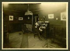 MAN POSING AT OFFICE DESK, ROOM INTERIOR, TELEPHONE ca 1910s OCCUPATIONAL PHOTO