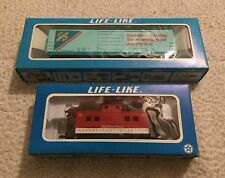 Life-Like Campbell's Soup Caboose & Swanson Train Car HO Scale