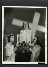 1936 EASTER HOLIDAY PHOTO - 3 WOMEN WITH CANDLES + CROSS - KEY BOOK BY KORNMAN