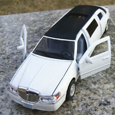 Lincoln 1999 Town Model Car Stretch Limousine 1:38 Alloy Diecast  White Toy Gift