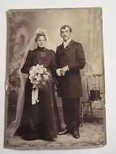 Amberg - Sulzbach - stehendes Paar - Mann & Frau - Hochzeit - Portrait / KAB