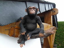 singe assis sur branche avec du relief, statue , puberbe déco  , polyrésine