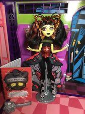 Monster high poupée-luna mothews-boo york complet-très bon état