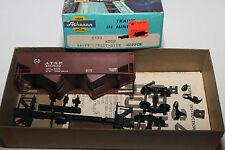 HO Scale Athearn  5401 Santa Fe 34' 2-Bay Hopper Kit  ATSF180892