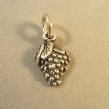 .925 Sterling Silver Small BUNCH OF GRAPES CHARM Pendant Wine Fruit NEW 925 KT65