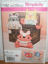 Crafts Stuffed Animals Raccoon Fox Owl Monster Sewing Pattern/Simplicity 1182/N