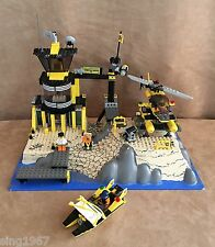7074 Lego Complete World City Police and Rescue Coast Watch HQ vintage set boat