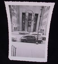 VINTAGE PICTURE OF HERCULES @ ROCKEFELLER CENTER & CARS PHOPTGRAPH