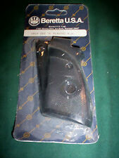 BERETTA 76 FACTORY RH BLACK PLASTIC CHKD GRIPS Right Hand Only