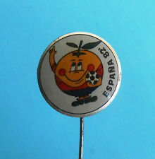 FIFA FOOTBALL SOCCER WORLD CUP - SPAIN 1982. - MASCOT NARANJITO - old pin badge
