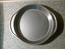Wilton Perfect Results Nonstick Round Cake Pan, 9 by 1.5-Inch 2105-6059