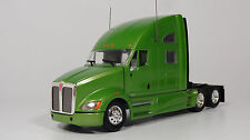 Tonkin Replicas 1/53 Kenworth T700 Sleeper, Cab Color: Green (New in Box)