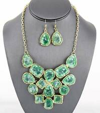 GREEN MINT MARBLEIZED LUCITE STUD GOLD TONE BASE V STYLE NECKLACE EARRING
