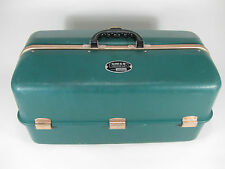 Vtg Green UMCO 1000 US Fishing Tackle Box Made in U.S.A. Good Condition