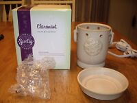 NEW in Box Scentsy Claremont Full Size Warmer Candles