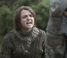 Maisie Williams UNSIGNED photo - E437 - Game of Thrones