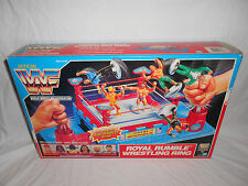 WWF HASBRO ROYAL RUMBLE WRESTLING RING WITH ALL 18 MINI FIGURES 1991