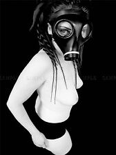 PHOTO PORTRAIT STUDY SEXY GIRL IN GAS MASK BLACK WHITE ART PRINT POSTER MP3996A