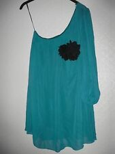 ladies TOP off the shoulder with black flower size 10 Be Beau