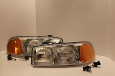 GMC YUKON Left & Right Headlights Headlamps & NEW BULBS 2005 2006