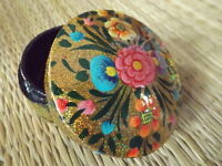 Hand painted kashmir papier mache round shaped gold glitter floral trinket box