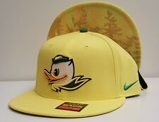 NWT- NIKE OREGON DUCKS - Puddles True Hardwood Basketball Cap - Rare Volt Yellow