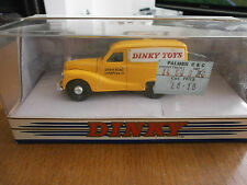 Dinky Toys DY-15 1953 Austin A40 Van with Dinky Toys decals