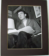 LAURENCE HARVEY ROOM AT THE TOP AUTHENTIC SIGNED AUTOGRAPHED MOUNTED PHOTO