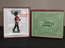 BRITAINS 49007 1907 HALF BOOTED IRISH GUARDSMAN MARCHING TOY SOLDIER FIGURE SET