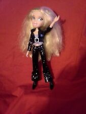 Bratz Doll 2001 MGA w/ Long Hair *fully dressed in Performer Outfit*