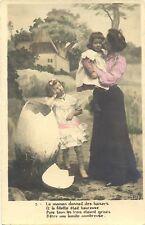 Ostern, Mutter mit Kindern, großes Ei, um 1900/10