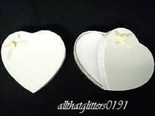 Ivory Heart-Shaped Reinforced Card Gift Box. 8.5x8x2.5 cm.