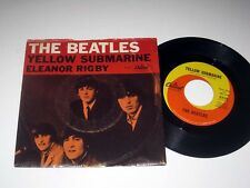 45 RPM w/PIC SLEEVE The Beatles YELLOW SUBMARINE/ELEANOR RIGBY Capitol 5715