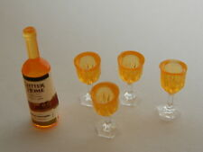 (F1-18) DOLLS HOUSE DRINK : PLASTIC BOTTLE AND FOUR PLASTIC GLASSES