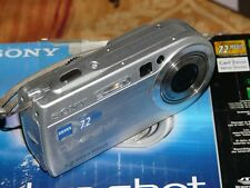 Sony Cyber-shot DSC-P150 7.2 MP Digital Kamera - Silber