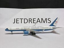 1/400 UNITED STATES AIR FORCE BOEING 757-200WL 90'S COLORS 80001 GEMINI JETS