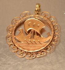 14k YELLOW GOLD VINTAGE SHIP IN  DESIGN FRAME PENDANT CHARM c124