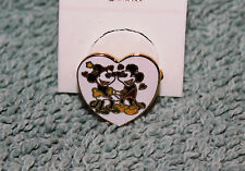 NICE VINTAGE DISNEY MICKEY MOUSE MINNIE MOUSE HEART SHAPED RING NOS ADJUSTABLE